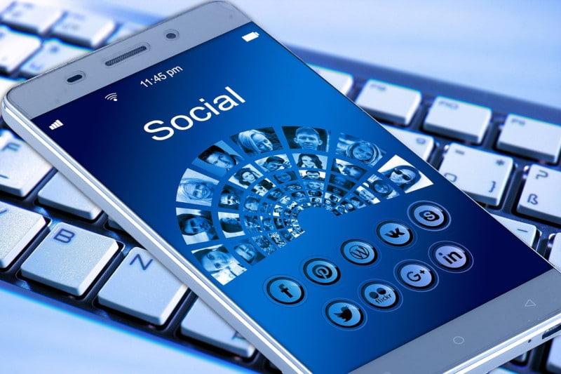 Réseaux sociaux : faites connaître votre entreprise autrement avec Facebook, Twitter, YouTube, Google My Business, Instagram, LinkedIn